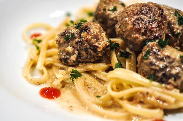 sås till köttbullar och pasta